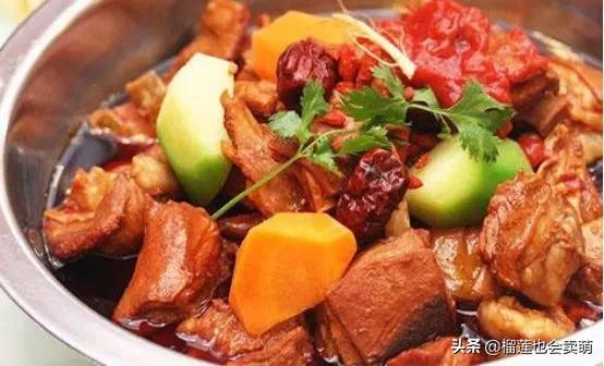 美食优选:秘制红焖羊肉,手撕鸡,火腿蒸豆腐,菠萝咕噜肉的做法 美食做法 第3张