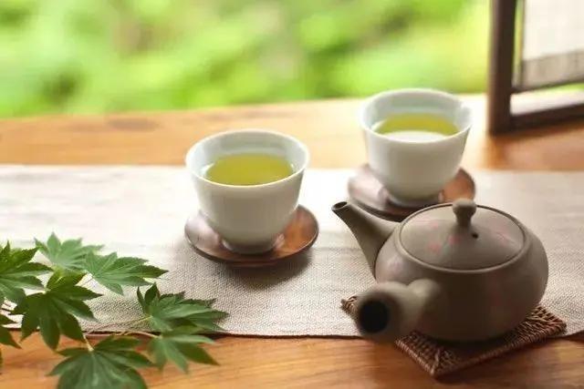 喝茶到底有益健康吗?喝红茶好,还是绿茶好?