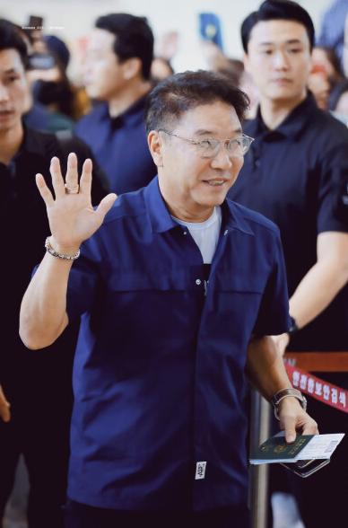 """李秀满又扩展副业,SM开办韩流教育机构,这下真桃李""""满""""天下"""