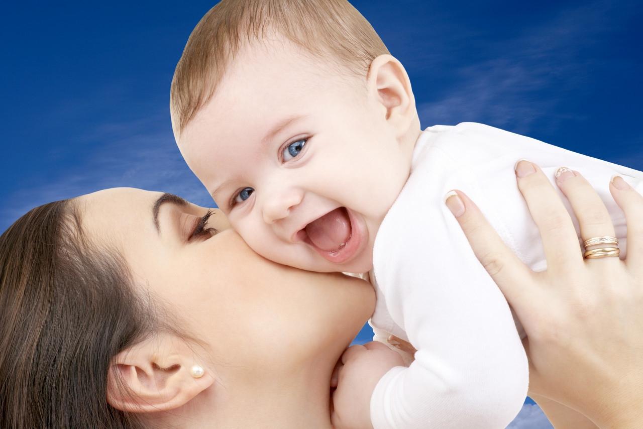 母乳喂养多久比较合适?喂养的这4个注意事项要牢记,有助宝宝健康发育