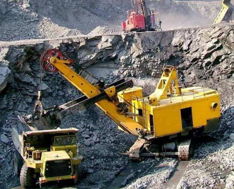 中国宣布决定后,中企获全球最大铁矿开发权!澳洲还能坐得住? 原创 东方之星V 2020-06-15 20:03:52 作者:启程  编辑:郭坊  作为基建狂魔闻名于世的中国,随着经济的复苏和国内基建的