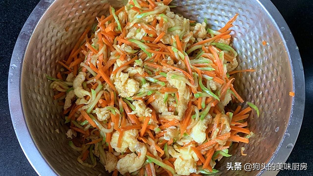 入秋后,我家这道菜经常吃,比丝瓜营养,上锅蒸着吃,太解馋了