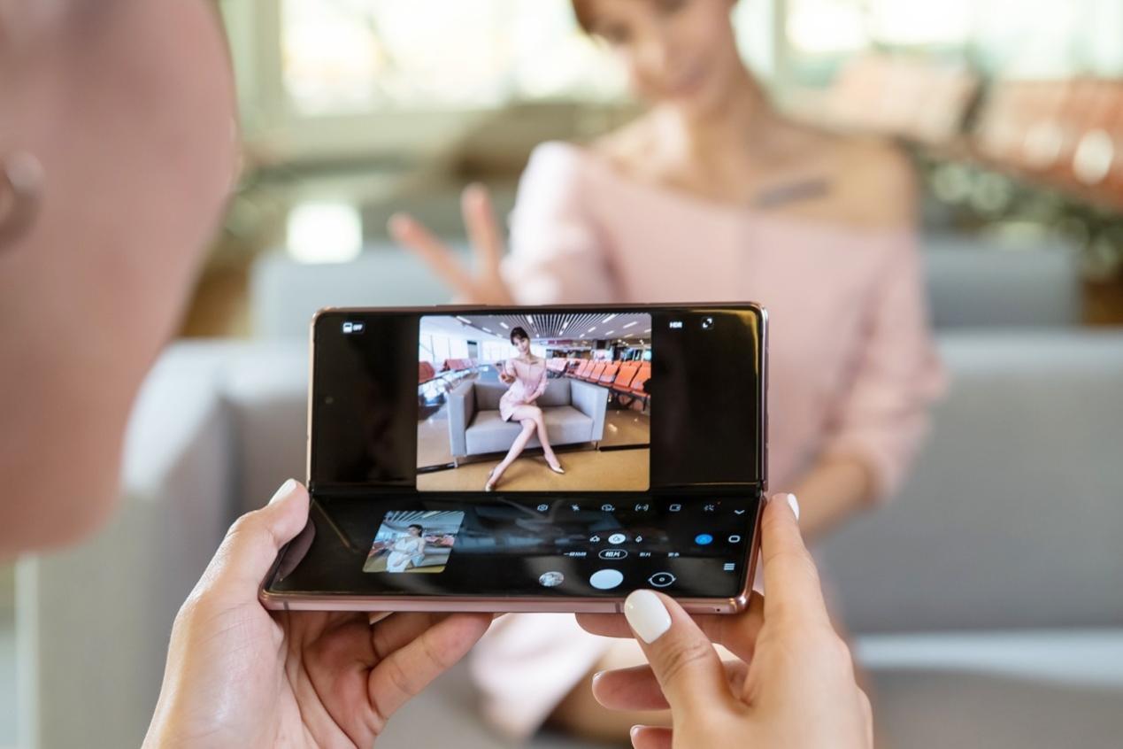 打破手机设计限制,三星Z Fold2 5G摄影玩法解析