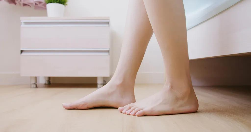 天天洗脚,脚还臭烘烘?!学会这几招告别臭脚