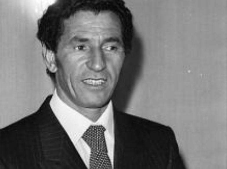 1970年,卡扎菲派人到中国购买原子弹,毛主席怒斥:卡扎菲太狂妄