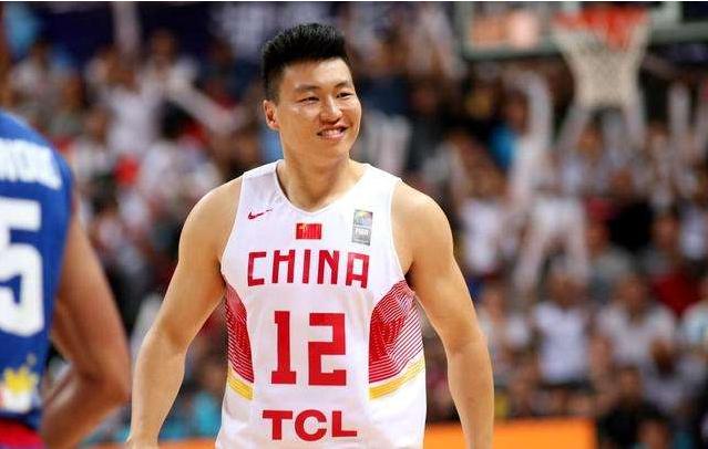 中国男篮六大肌肉:易建联令人敬佩,一人300斤堪称中国奥尼尔