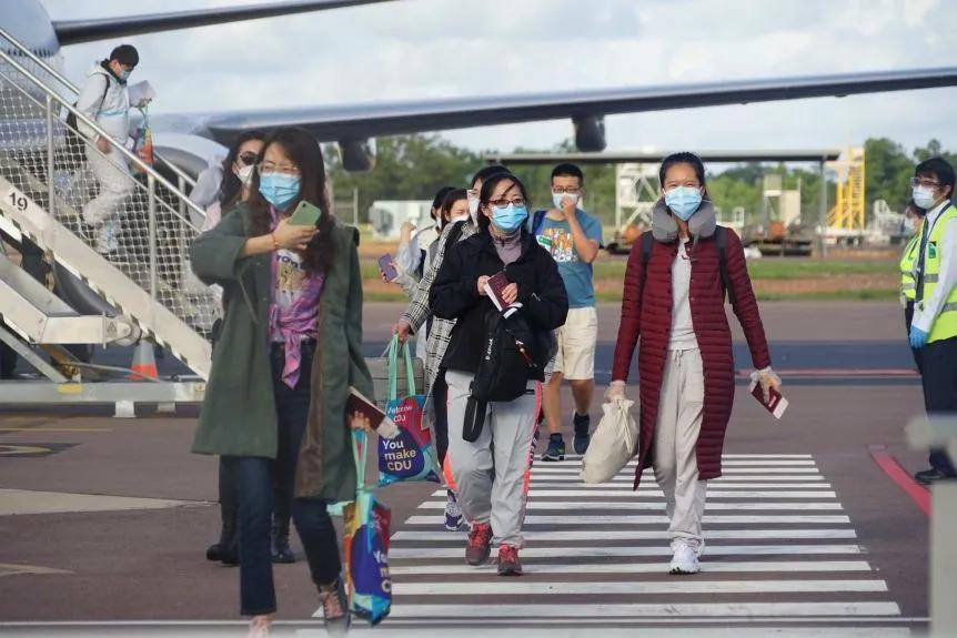 首批留学生已安全抵达澳洲境内!更多留学生或即将返回澳洲