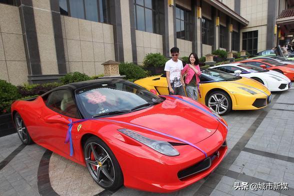 分析中国十大富豪的学术背景,看看是文科生多还是理科生多?