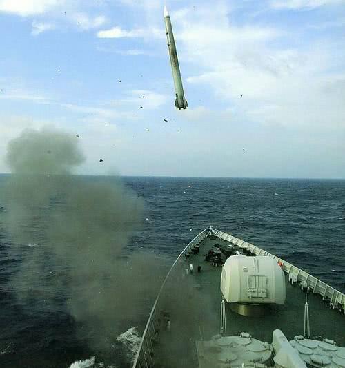 标新立异的俄式舰载垂发系统,中国052C师承于此,但青出于蓝