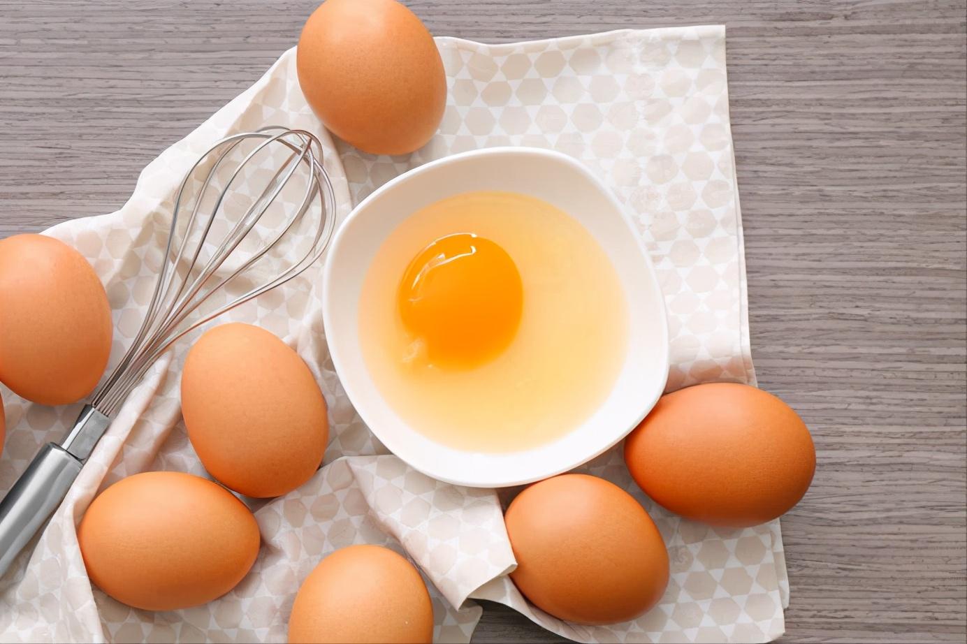 水煮荷包蛋,总是散开有白沫?牢记2个诀窍,鸡蛋圆润不粘锅 美食做法 第6张