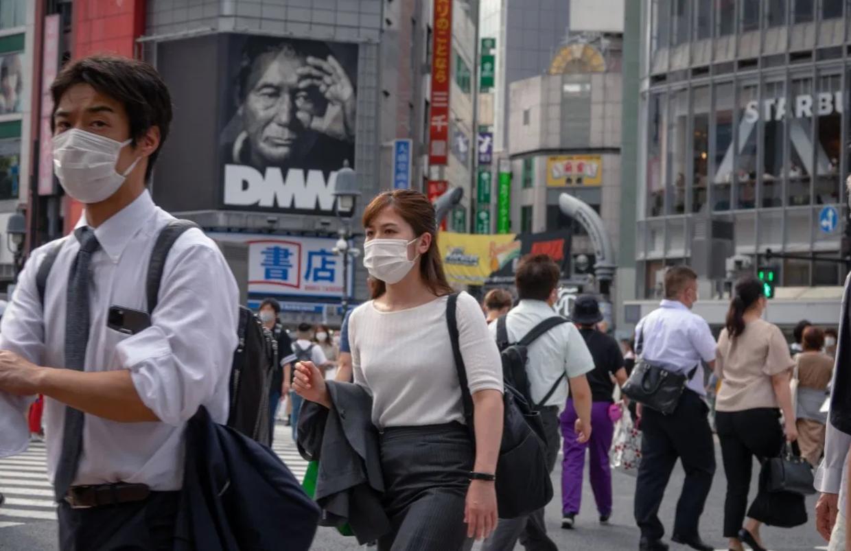 日本危急!医疗将崩溃,政府超慌张,民众却在狂喷中国疫苗?