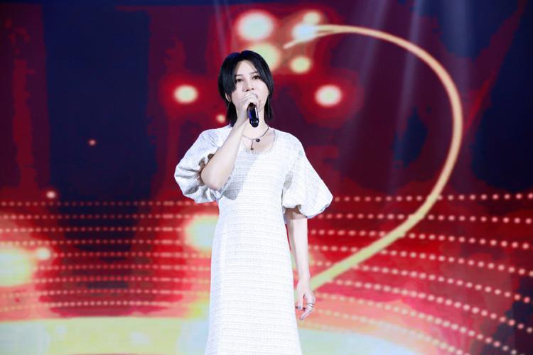 十五位乐评人鉴赏尚雯婕《咏》:最具先锋开拓精神的新国风电子