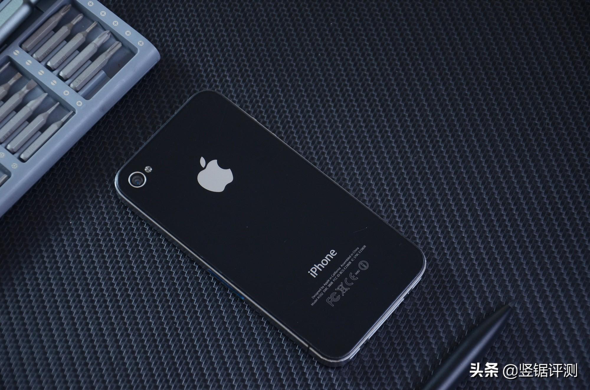 重温经典的iPhone 4手机,现在还能下载应用么?