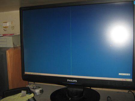 电视机屏幕有条纹(电视机进水屏幕有条纹)