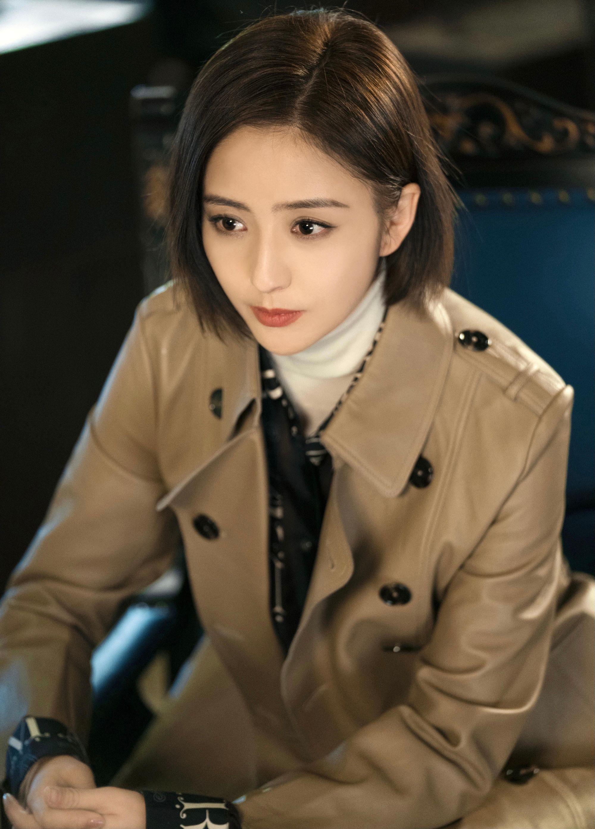 佟丽娅正面回应婚姻状态,发博澄清还顺带做广告,稳赚不赔