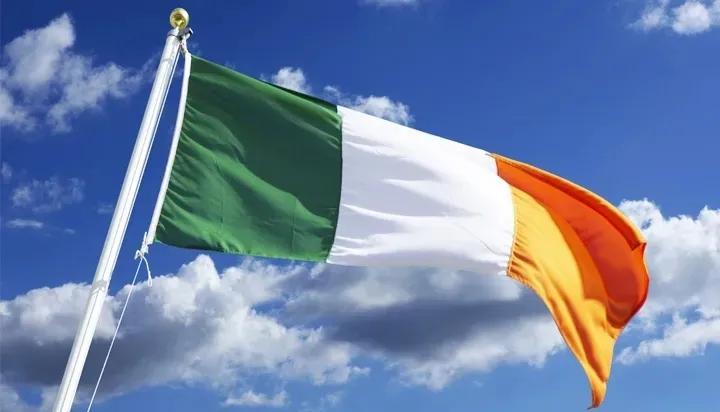 同样执着于买房的爱尔兰人,为何活得如此轻松?