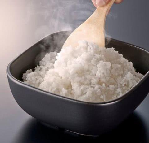 常吃的米饭也是有方法的 这样做出来得饭飘香四溢 美食做法 第2张