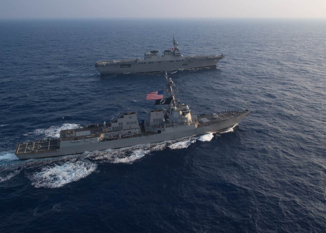 """美日挑衅升级!双航母演练南北""""夹击""""中国,我海军用行动反击"""