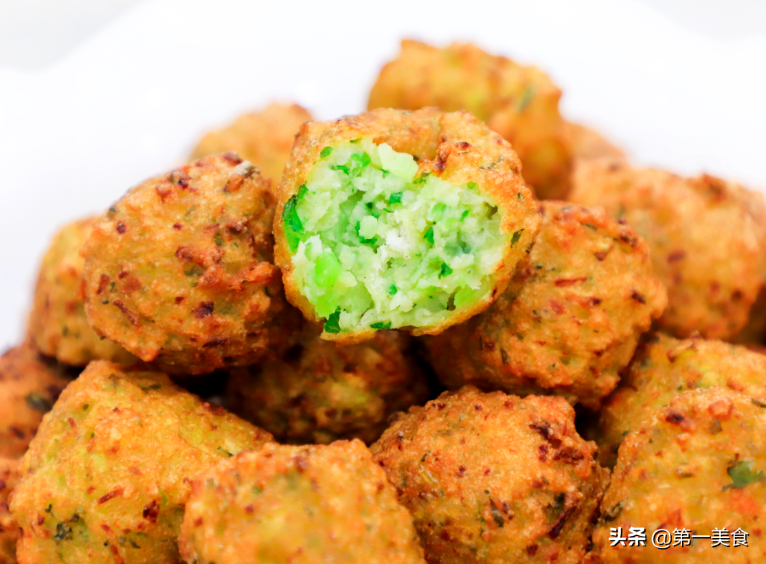 外金黄皮酥内翠绿爽口炸了十几年萝卜丸子还是这方法最好吃