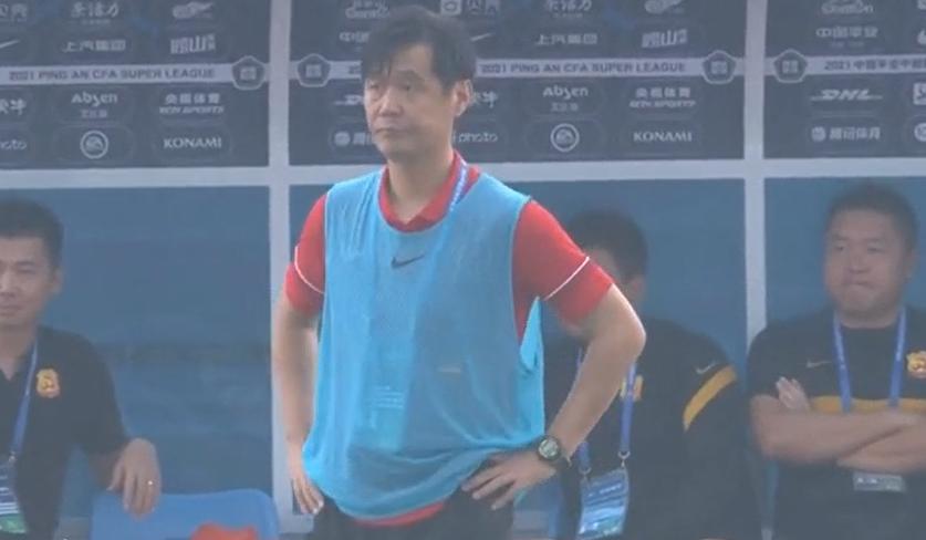 李霄鹏:武汉队踢得非常艰苦,感谢队员落后没有放弃,扳平了比分