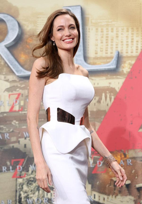 好莱坞最吸引眼球的十大女明星,个个性感迷人,天生尤物