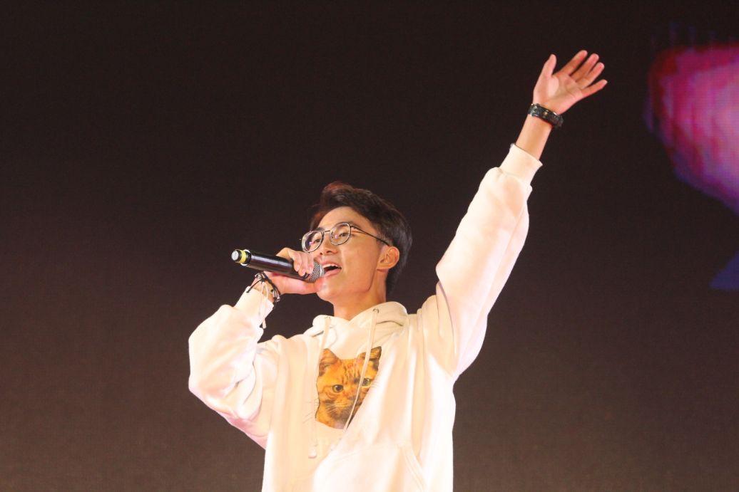 西安思源新生开学典礼暨双节晚会活动,唱响奋进之歌及活力思源