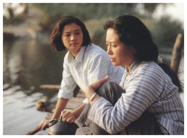 """""""天下第一嫂""""王馥荔:母亲去世时仍在演戏,丈夫为娶她写保证书"""