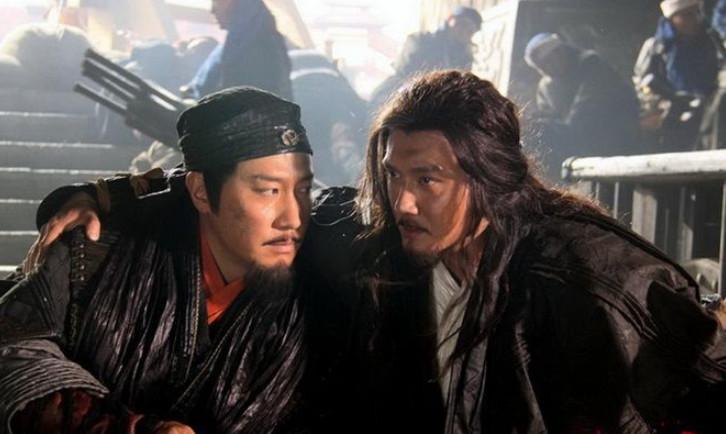鸿门宴前项羽就想杀刘邦,刘邦高情商自救,公关做得太好
