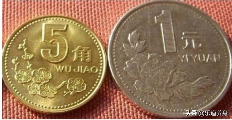 老人离世饭盒发现近18万现金,都是上世纪80年代的旧纸币