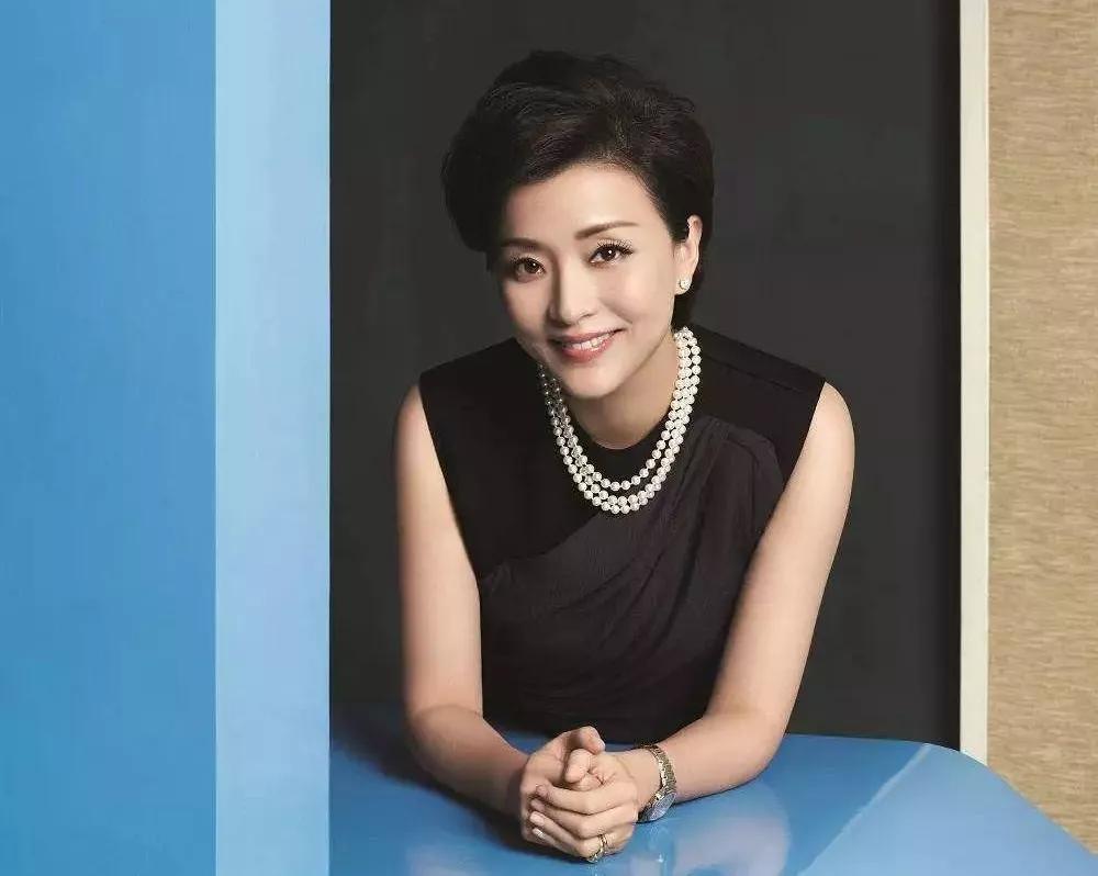 杨澜、董卿:女人最好的状态是:自强自立、不惧年龄,知性沉稳