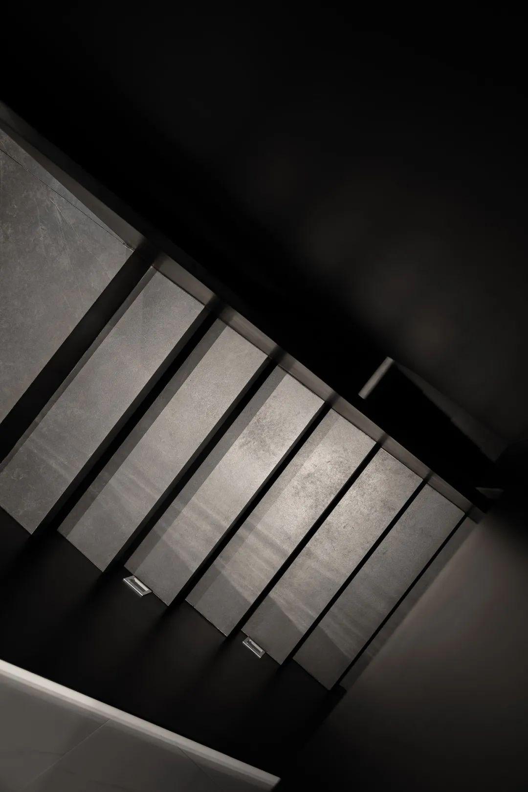 300㎡现代别墅,高级黑白配,意韵端庄美,安静雅致的档次