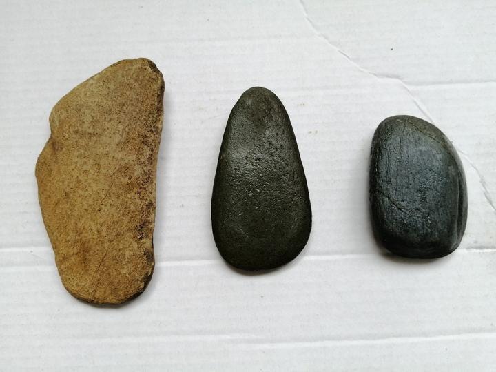 在广西大山深处,有太多漂亮的奇石了,你说那块最有价值呢?
