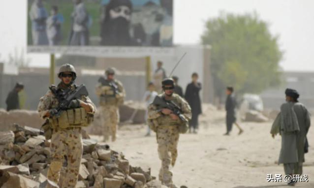 阿富汗混战多年,澳大利亚军人嗜血杀戮,专家:跟班好样不学