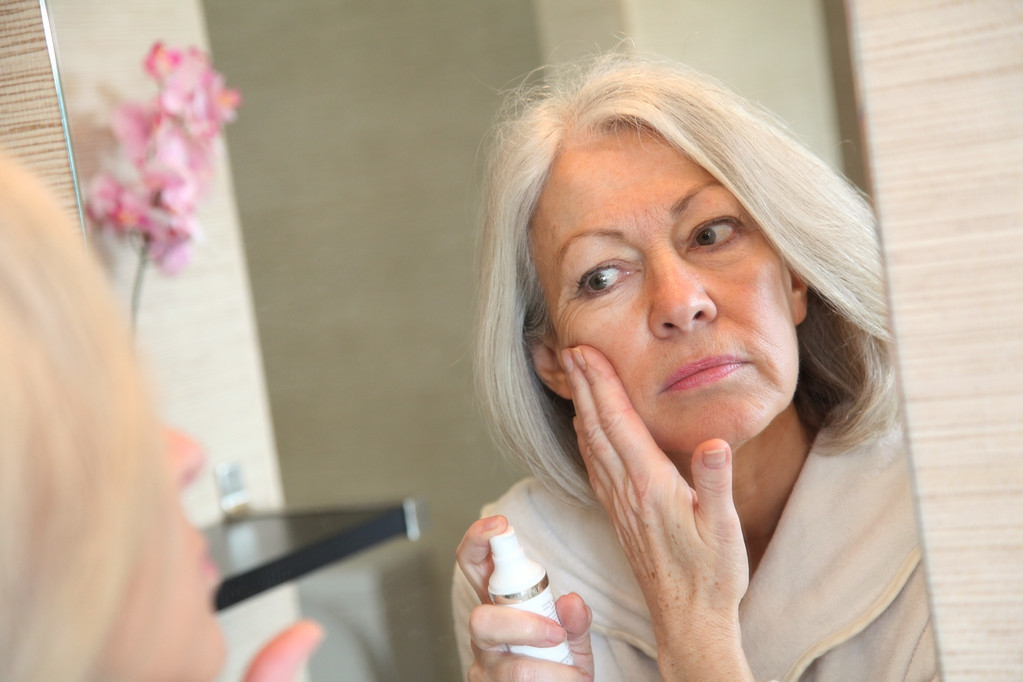 女人四十岁开始衰老,注意保养吧 皮肤保养 第1张