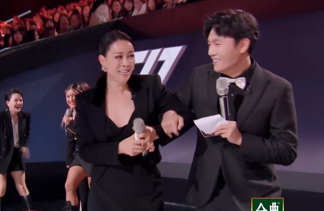 浪姐二公:陈小纭王鸥美出新境界,阿兰遭淘汰那英被秦昊拖下舞台