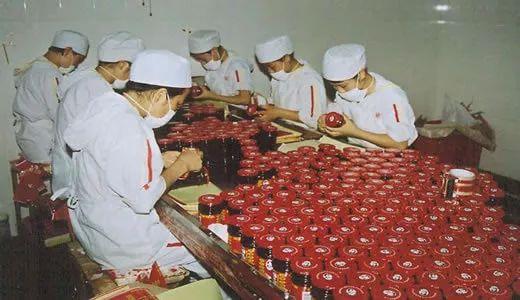 老干妈49岁创业身价90亿,不上市不做广告,一瓶辣酱成就商业传奇