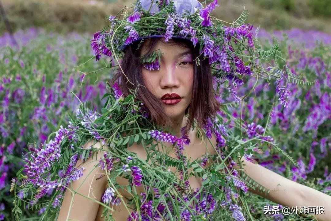 她在乡村做超模