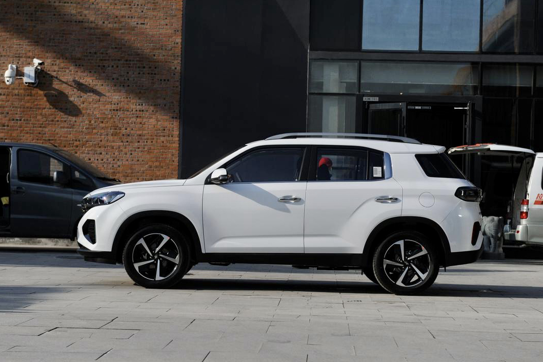 外观大变油耗降低!新款北京现代ix35值不值得买?