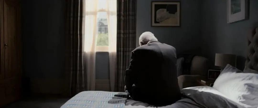豆瓣8.9分,《困在时间里的父亲》阿尔兹海默症眼里的世界