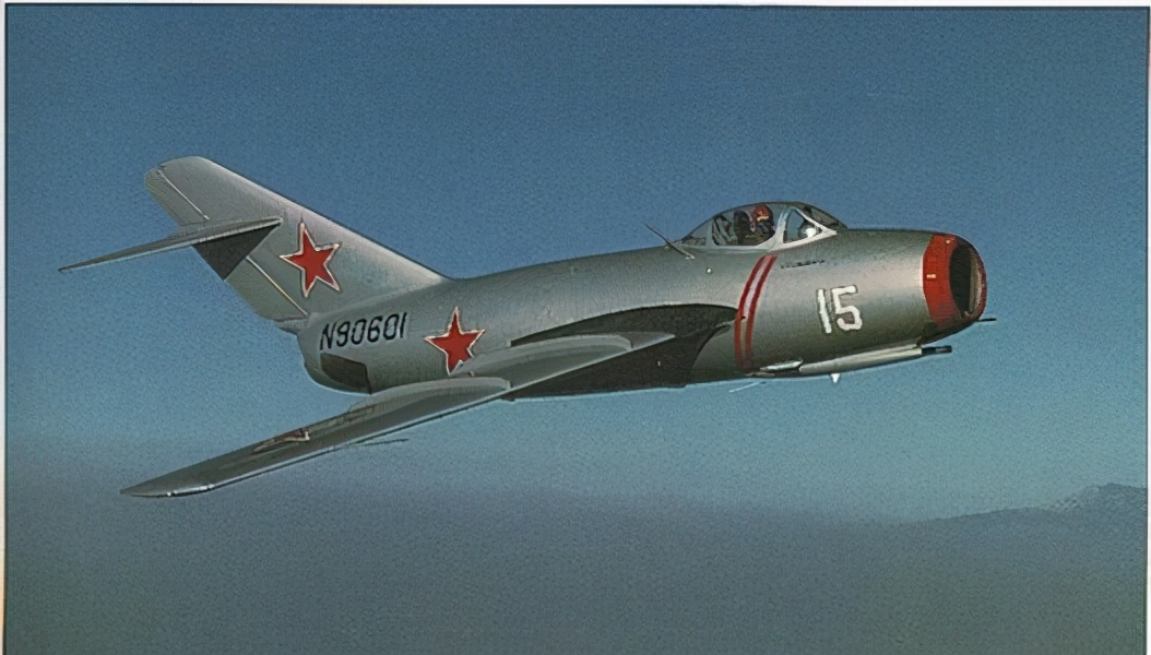 1954年中国空军误击客机事件,引发美军报复,两架战机被击落
