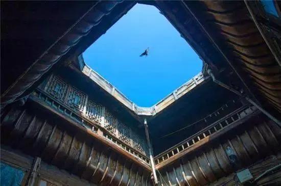著名建筑风水学者曾祥裕浅谈客家建筑天井的风水意境美
