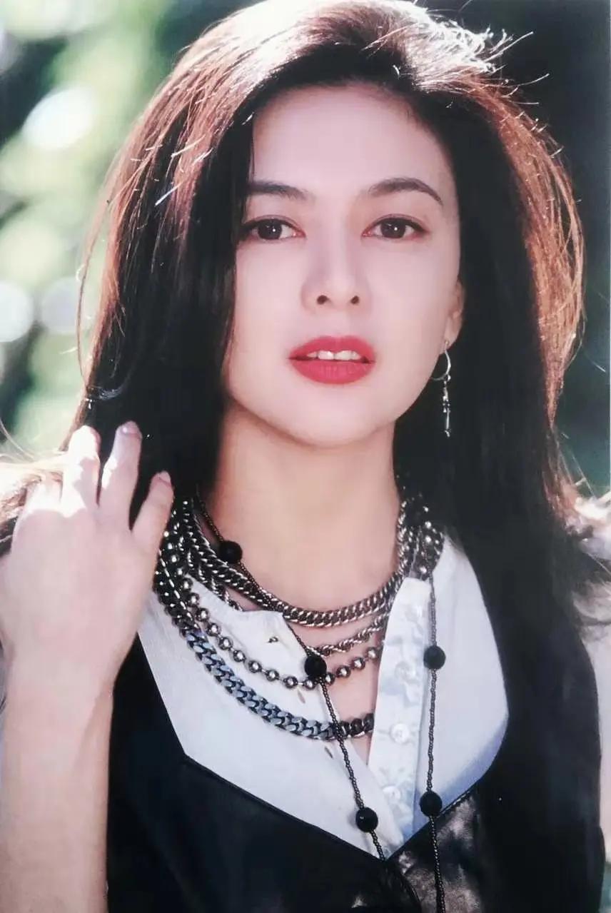香江第一美女-之琳姐,入驻抖音!美轮美奂