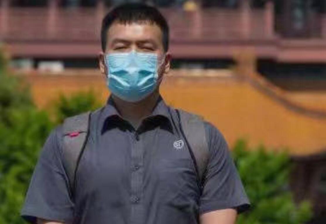 抗疫剧《在一起》:邓伦成了大连小伙,为了包吃包住当武汉志愿者