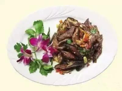 10道朴实湘菜制作,料虽普通,却受欢迎 湘菜菜谱 第6张