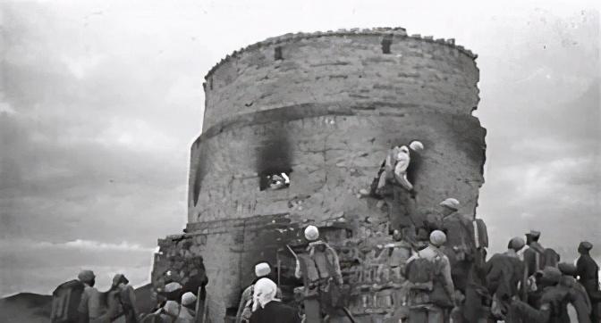 进攻一个碉堡有多难?碉堡内有乾坤,为何不能从射击孔击毙守军?