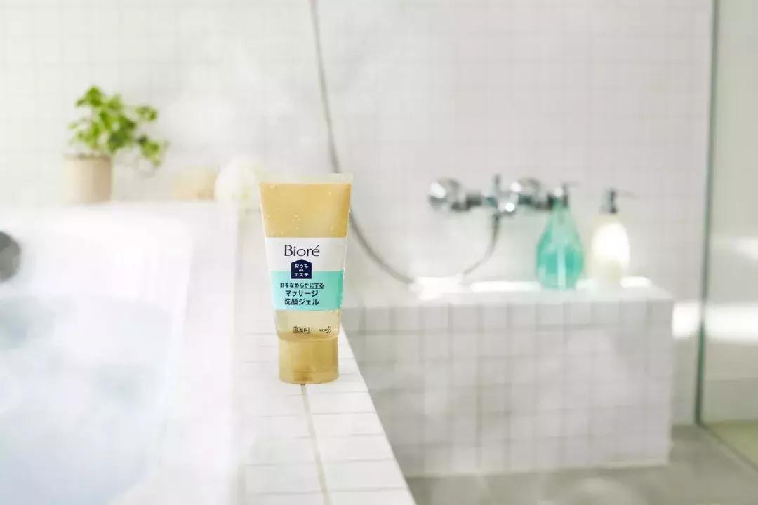 日亚销量第1!几十块的洗面奶,居然搓出一堆黑头!
