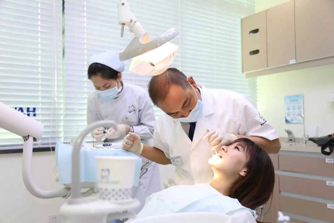怎麼擁有白出天際的牙齒? 7個有效的口腔保健技巧你值得擁有