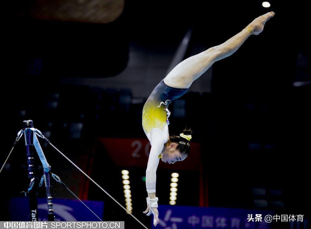 「图集」全国体操锦标赛 刘婷婷个人全能封后