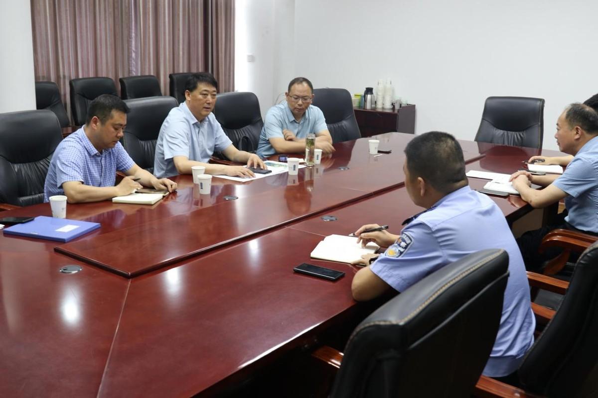 江苏响水县退役军人事务局督查镇区退役军人服务站建设运营情况