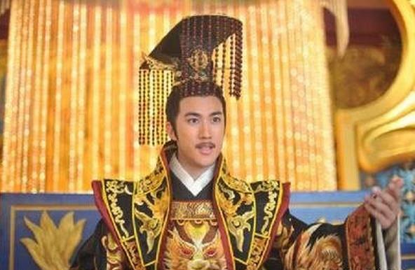 李显:一生被四个女人玩弄于股掌之间的皇帝,成就最懦弱帝王之名